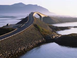 Noruega estrada atlântico.jpg